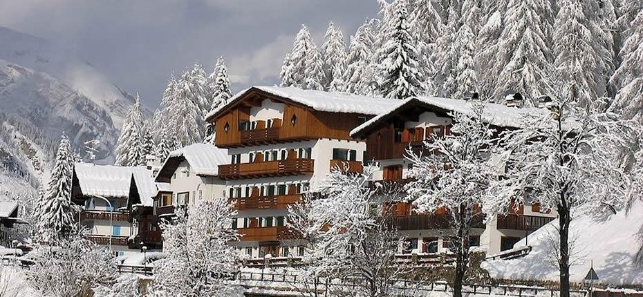 Hotel-des-Alpes-Cortina